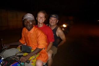 Tobi, Mark und Fahrer auf der Rueckfahrt