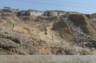 Einfahrt in Luanda