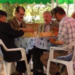 Türkische Männer beim Sonntagsspiel