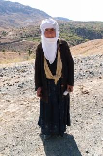 Kurdin mit meinen Datteln